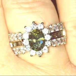 Peridot and sapphire 925 sterling silver ring